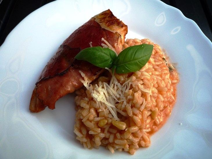 Risotto tomaat basilicum