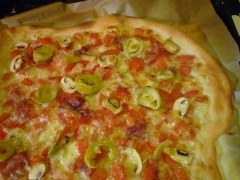 Pizzabodem en pizzasaus